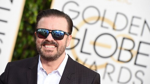 Ricky Gervais arrives at the 73nd annual Golden Globe Awards, January 10, 2016, at the Beverly Hilton Hotel in Beverly Hills, California. AFP PHOTO / VALERIE MACON / AFP / VALERIE MACON        (Photo credit should read VALERIE MACON/AFP/Getty Images)