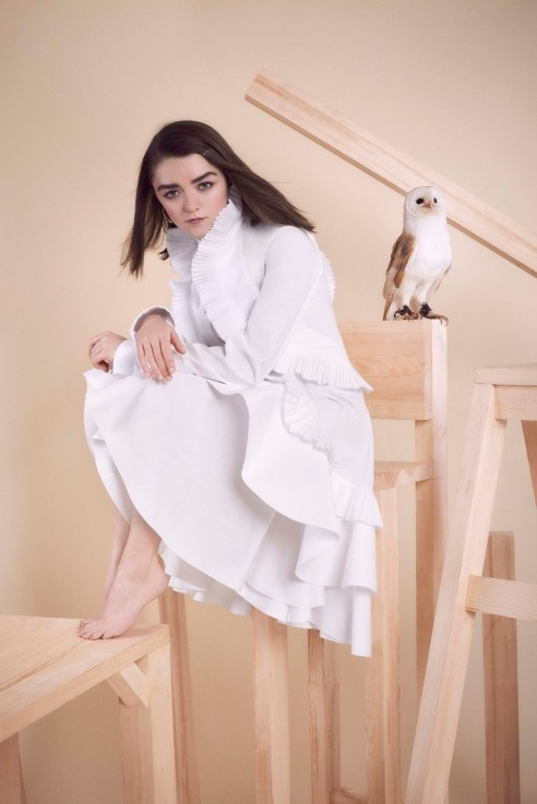 maisie-williams-in-instyle-magazine-uk-april-2016-issue_17