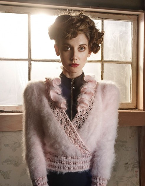 alison-brie-in-vvv-magazine-spring-summer-2016-issue_3