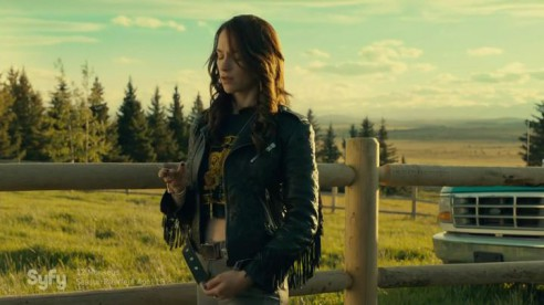 Wynonna.Earp.S01E01.HDTV.x264-FLEET.mp4_20160407_170723.897