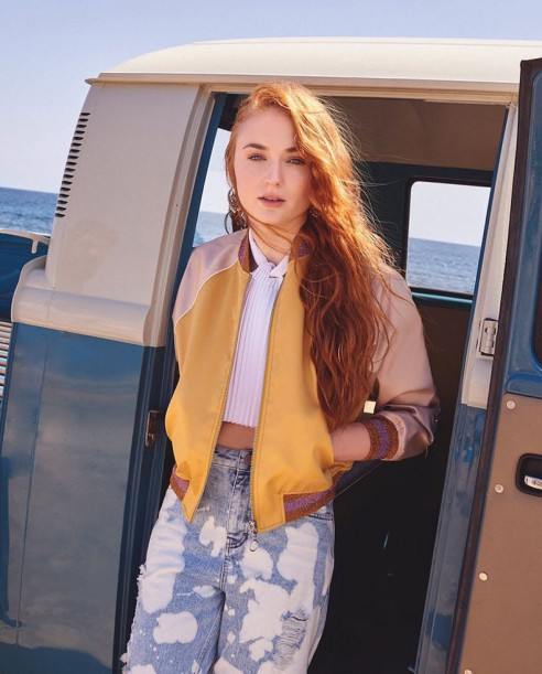 sophie-turner-in-asos-magazine-summer-2016-issue_11